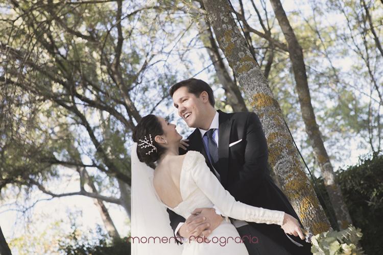abrazo de los novios-fotografías de boda
