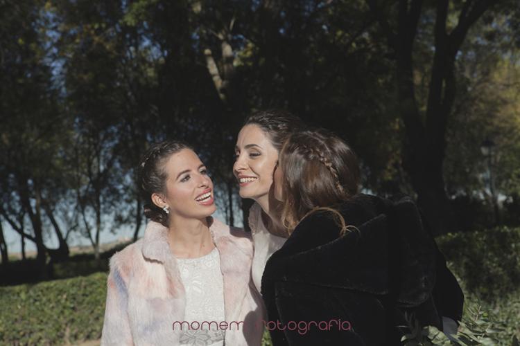 novia con amigas-fotografías de boda