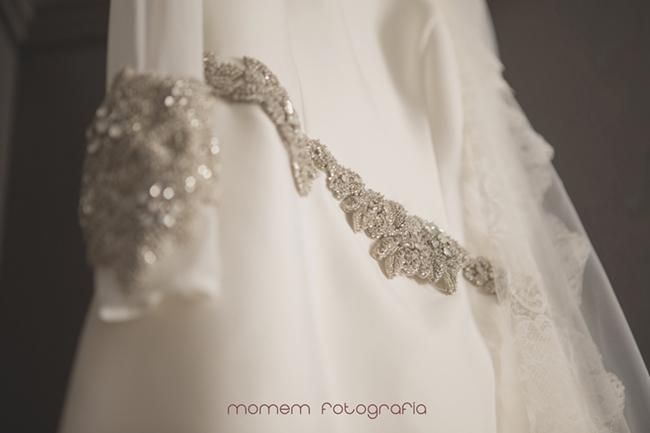 Detalle cintura del vestido de novia-Fotografías de boda