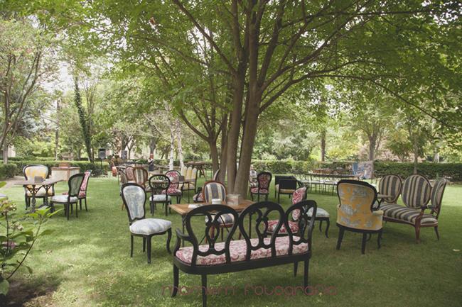 decoración de sillones en finca boda-Fotografías de boda