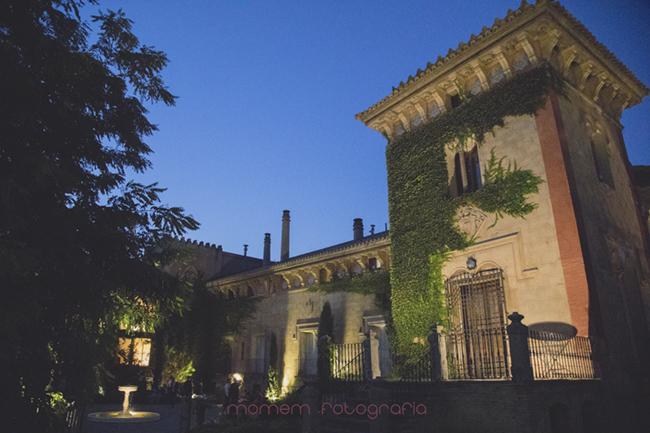 fotografía nocturna palacio iluminado-Fotografías de boda